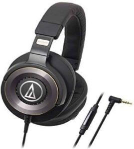 comfortable headphones with mic